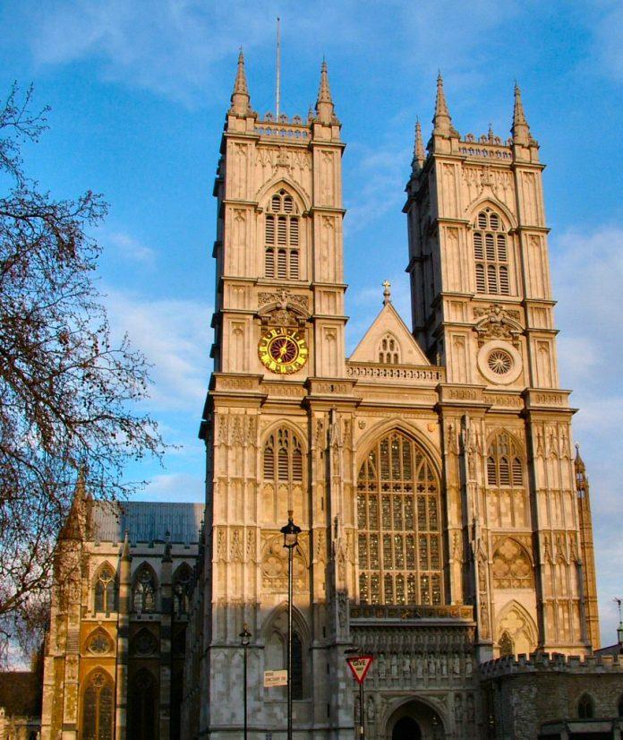 Westminster_Abbey_West_Door.jpg