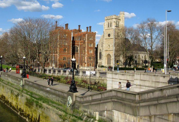 Lambeth Palace.jpg