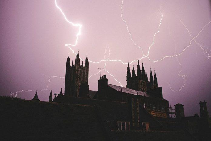 Canterbury Cathedral lightning.jpg