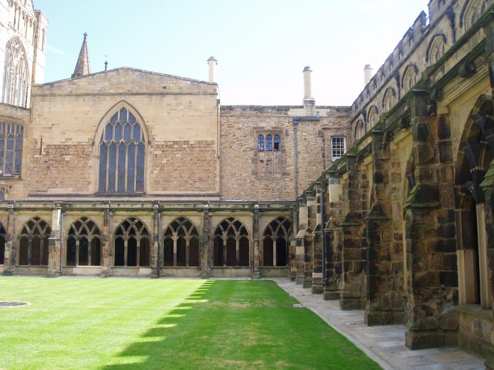 Durham_Cathedral_cloisters_(1).jpg